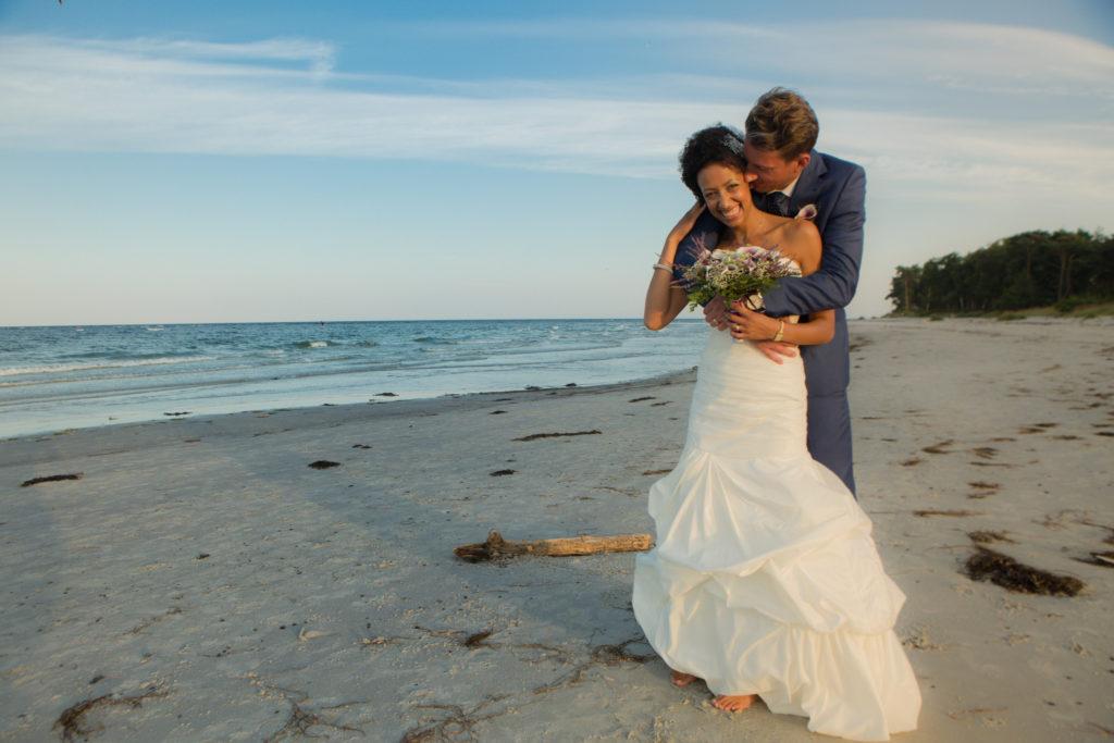 Brautpaare am Strand auf Bornholm